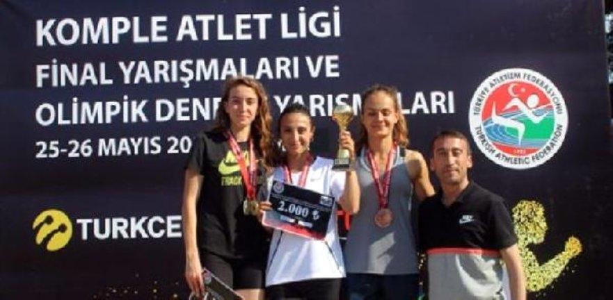 KOMPLE ATLET SEZONU, İZMİR'DE TAMAMLANDI..