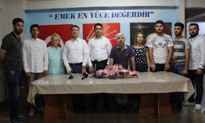 MENEMEN AK PARTİ GENÇLİK KOLLARINDAN, CHP'YE TOPLU KATILIM..
