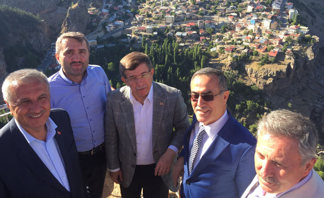 DAVUTOĞLU'NUN A TAKIMINDA, CHP'Lİ ESKİ VEKİL DE VAR..