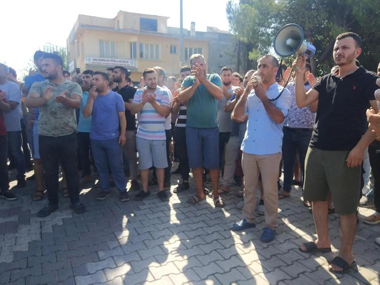 MENEMEN'DE PAZARCI PROTESTOSU..