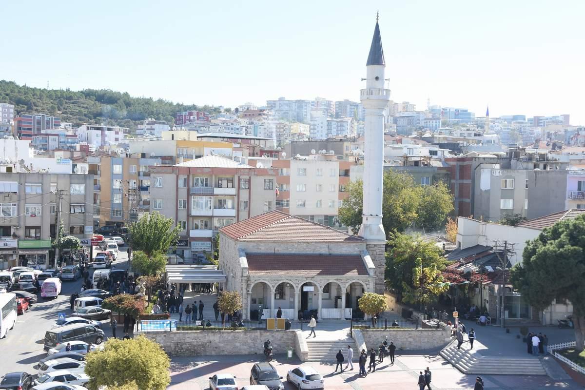 ALİAĞA'NIN TARİHİ CAMİLERİ VE MEZAR TAŞLARI..
