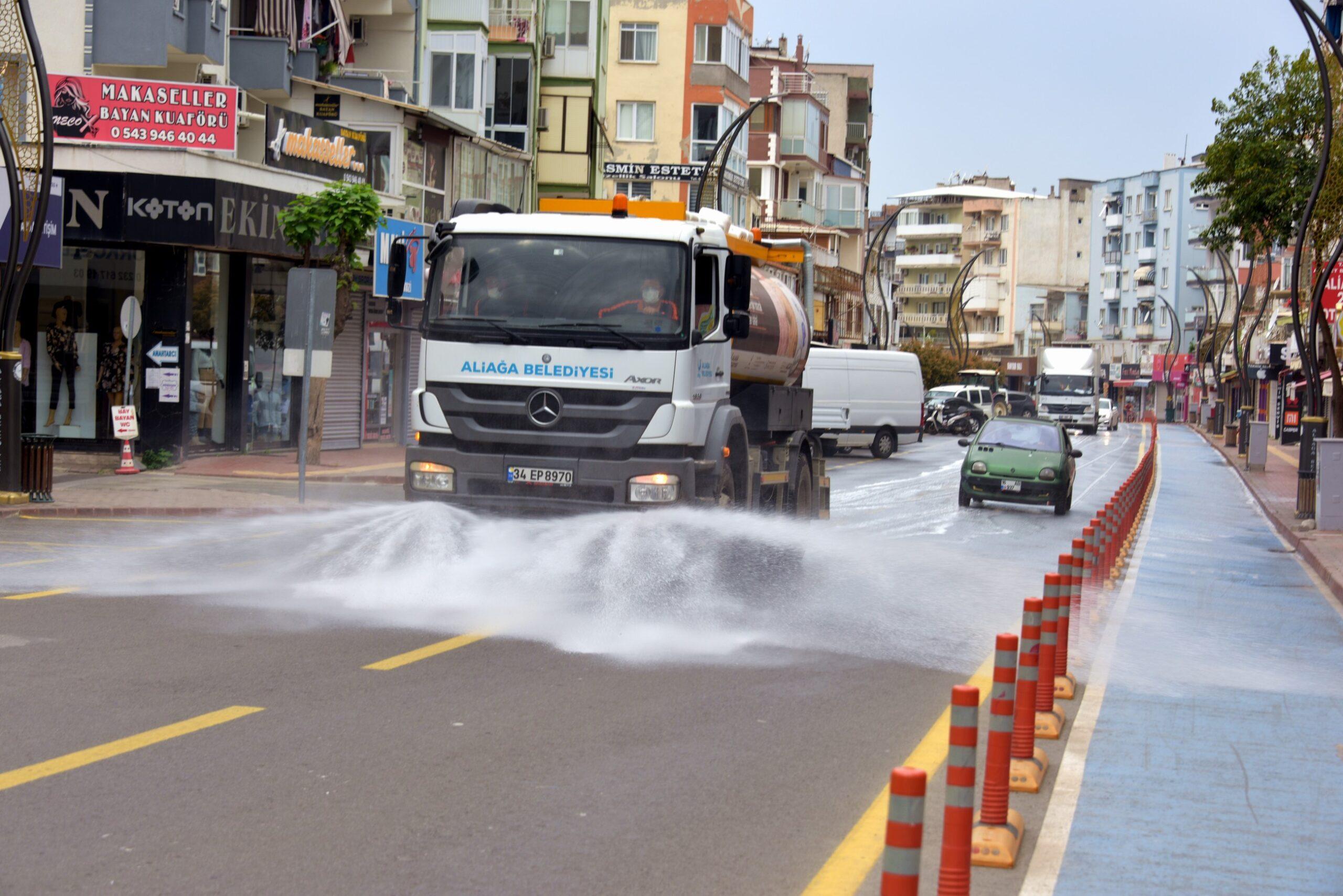 Aliağa Belediyesi'nden Bayram Temizliği..