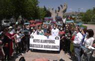 GAZETECİLERDEN AFP MUHABİRİ BÜLENT KILIÇ'A DESTEK EYLEMİ..
