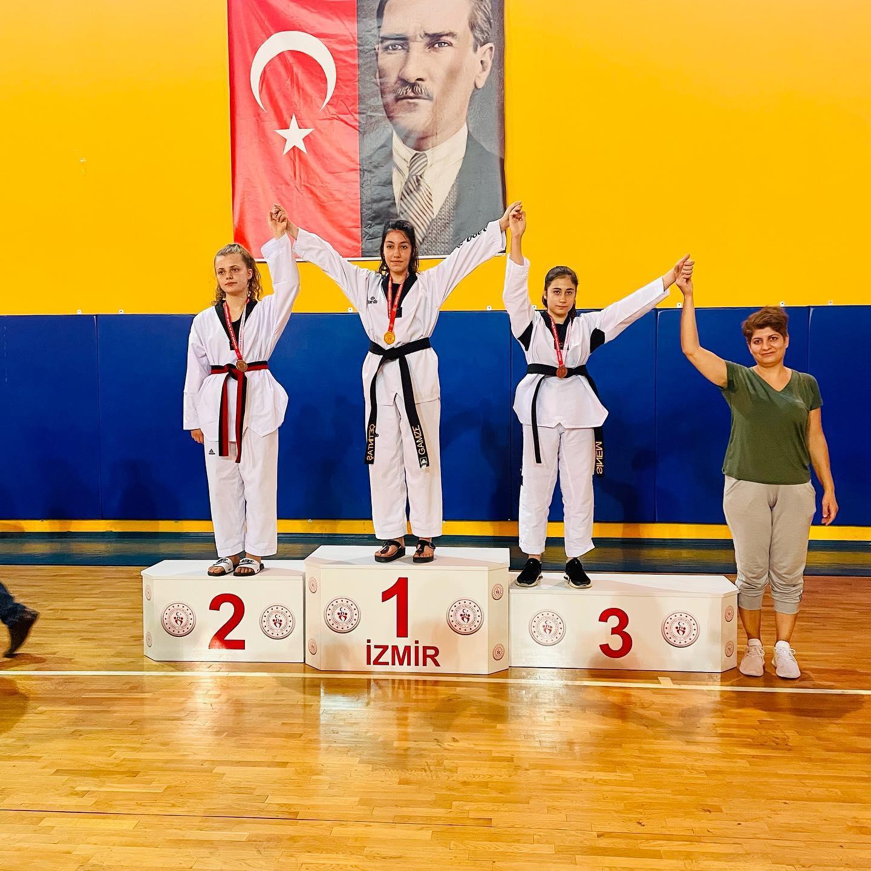 ALİAĞA'LI TAEKWONDO'CULARIN, PANDEMİ SÜRECİ SONRASI İLK MÜSABAKALARI..